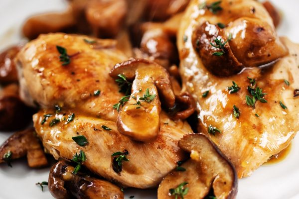 Grilled chicken breast with mushrooms